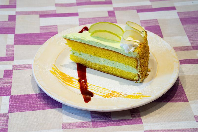 Torta con crema alla mela verde
