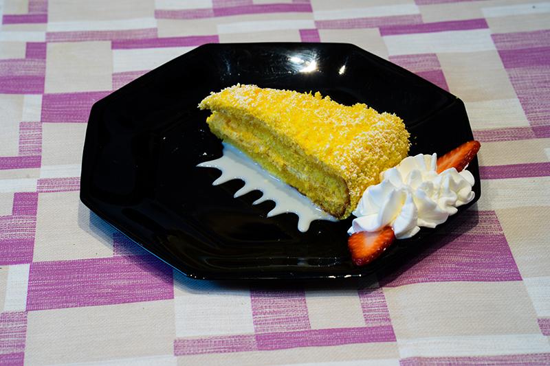Torta con crema allo zabaione